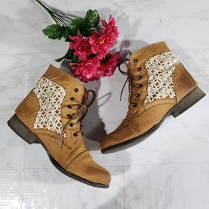 Steve Madden Thundr-C Lace Up Ankle Boots 9